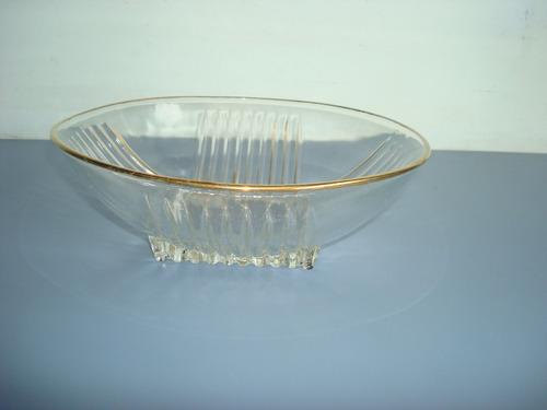 antiga tigela em vidro