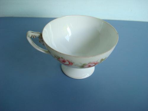 antiga xícara porcelana