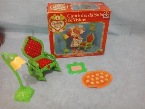 antigo brinquedo moranguinho cantinho da sala de visitas