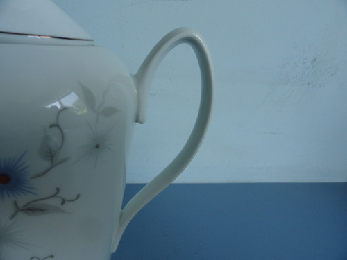antigo bule de café em porcelana real da década de 60