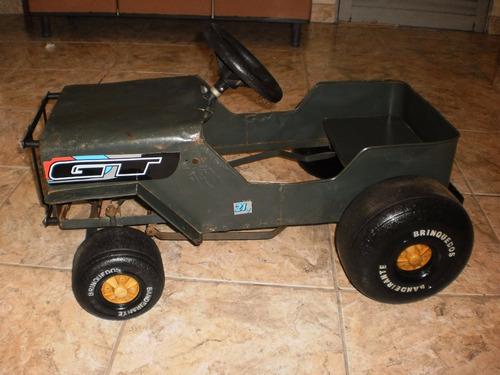 antigo e lindo jeep de lata bandeirante