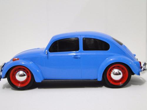antigo fusca azul brinquedo pneu borracha parachoque duro