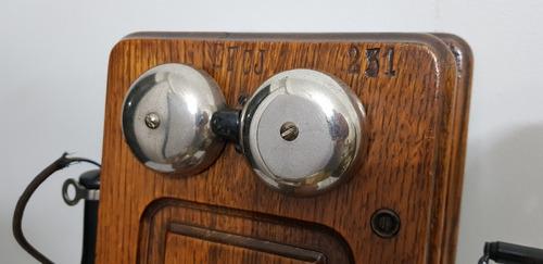 antigo parede telefone