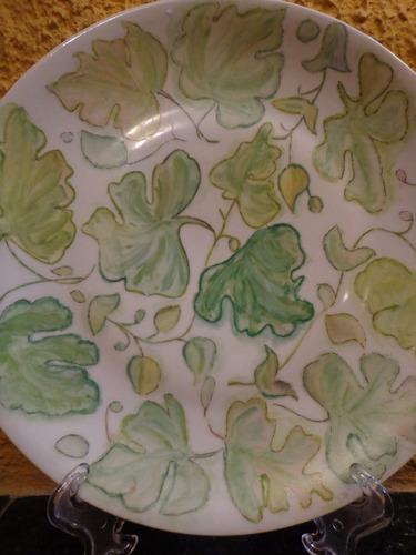 antigo prato de parede em porcelana - r 0182
