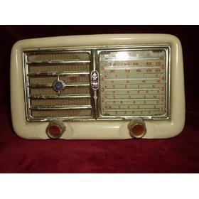 Antigo Rádio À Válvula Geloso