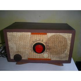 Antigo Radio De Madeira À Valvula Continental Funcionando
