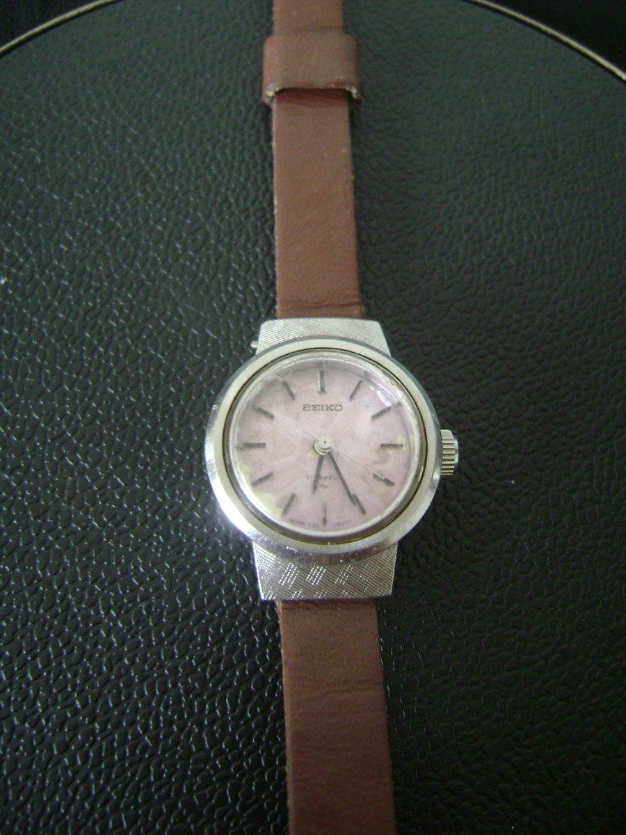 351f898b110 antigo relógio de pulso feminino a corda seiko. Carregando zoom.