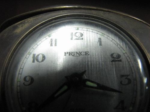 antigo relógio despertador