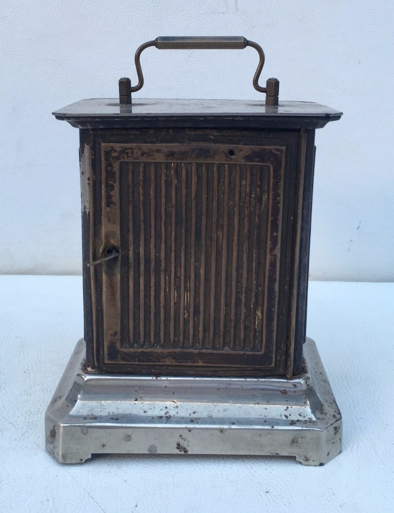 07f87f32a6f Antigo Relógio Despertador Junghans De Mesa A Corda - R  598
