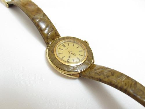 antigo relógio timex  ( a corda ) feminino ( funcionando )