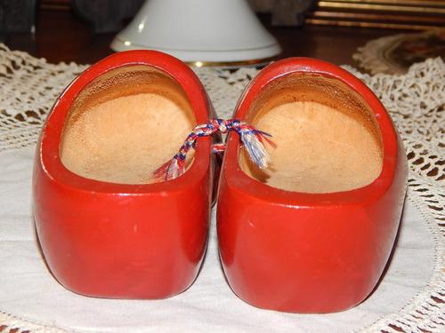 antigo tamanco holandes madeira infantil - vermelho