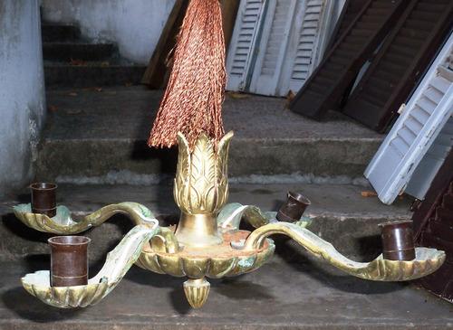 antigua araña en bronce de cuatro brazos