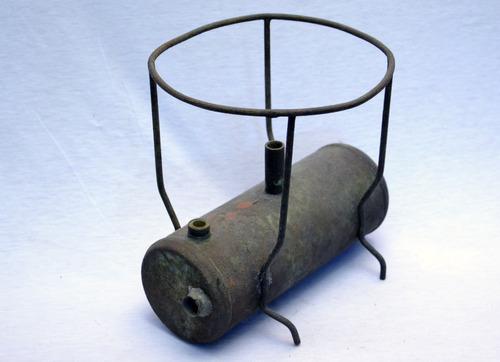 antigua  base  de  primus  en  chapa  y  hierro