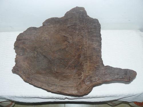 antigua batea/ frutera/ cuenco rustica tallada en madera
