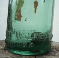 antigua botella de alcohol hiram walker 500 cc