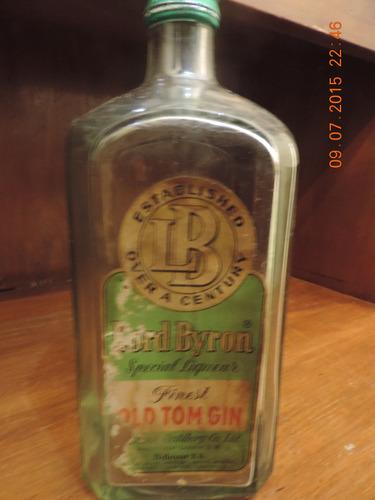 antigua botella de gin lord byron