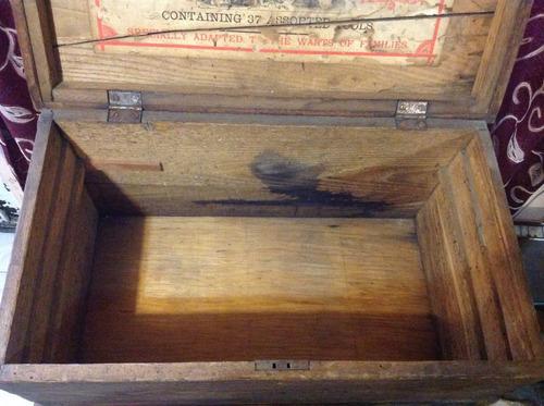 antigua caja de herramientas de madera, siglo xix