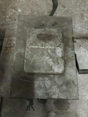 antigua caja de tapones trifasica