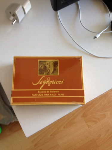 antigua caja jabon de tocador signoricci 1 nina ricci france