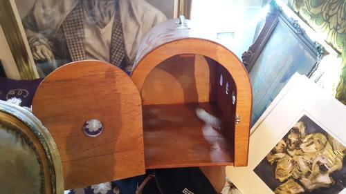 antigua caja transportadora de mascotas en madera 53 cm x 40