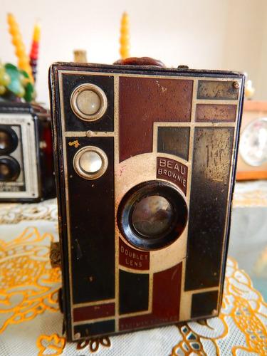 antigua cámara fotográica cajón kodak beau brownie /film 116