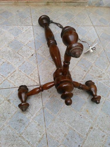 antigua colgante araña de madera torneada