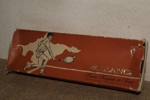 antigua colonia vallance. raqueta de tenis. con contenido