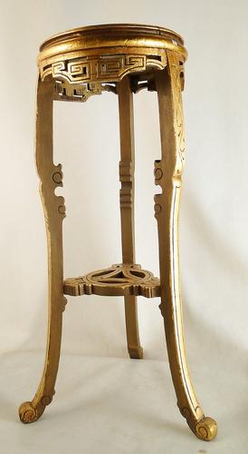 antigua columna pedestal de madera dorada estilo imperio