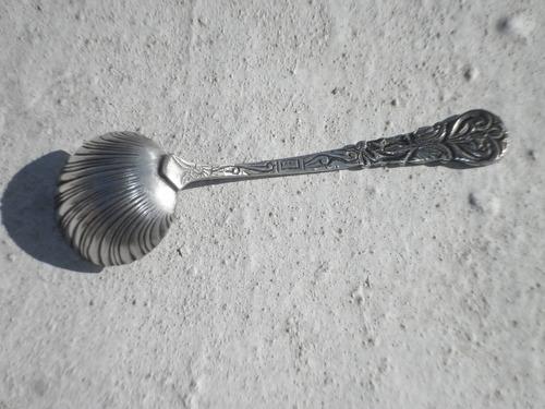 antigua cuchara de plata labrada