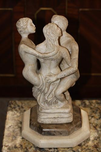 antigua escultura de marmol