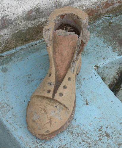 antigua escultura / figura maceta de cemento