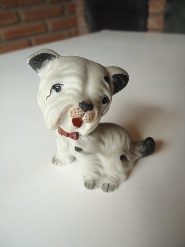 antigua estatuilla de cerámica perro con moño retro vintage