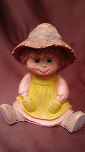 antigua figura de niña en pasta hueca