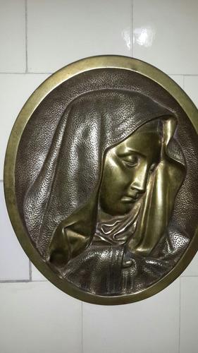 antigua figura en bronce para colgar