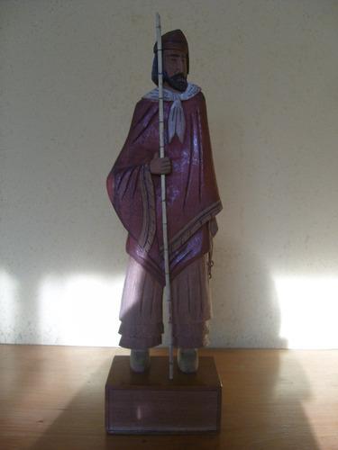 antigua figura tallada en madera gaucho argentino 35 cms