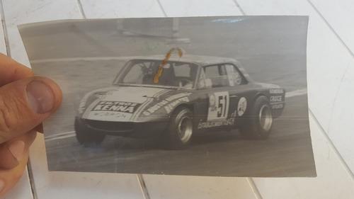 antigua foto carrera de autos coupe torino