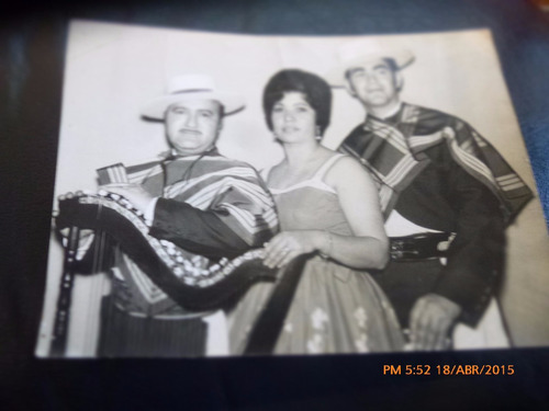 antigua foto de huasos  grupo folklorico