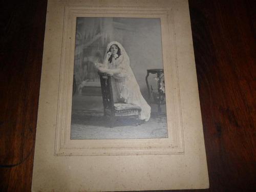 antigua foto fotografia niña comunion religion vestido cruz