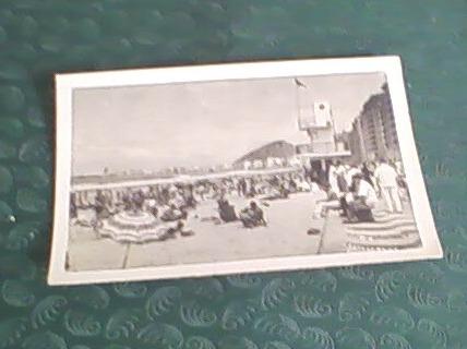 antigua foto postal de la playa de copacabana, rio brasil
