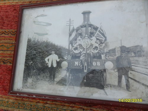 antigua foto tren locomotora inglesa inauguración ffcc ferro