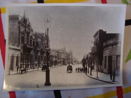 antigua fotografía edificio antiguo farola carruajes 8x12 cm