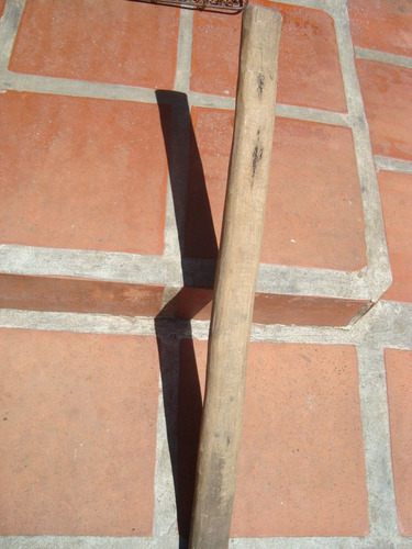 antigua hacha para decoración estilo campo, gauchesca