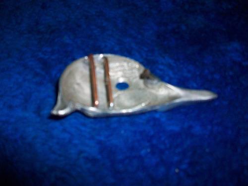 antigua hebilla de correa en forma de animal