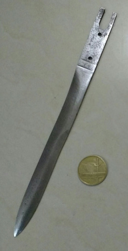 antigua hoja de bayoneta militar de fal. ejército argentino.