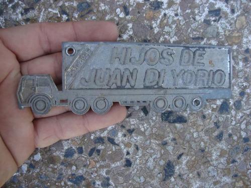 antigua insignia concesionaria hijos de juan di yorio camion