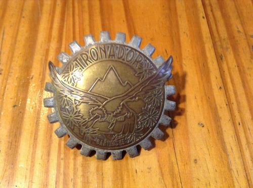 antigua insignia para parrilla del cerro tronador