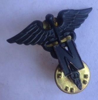 antigua insignia personal medico militar femenino 2gm! (15v)