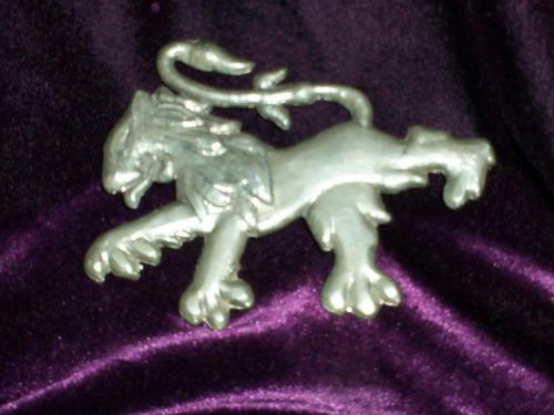 antigua insignia peugeot metal