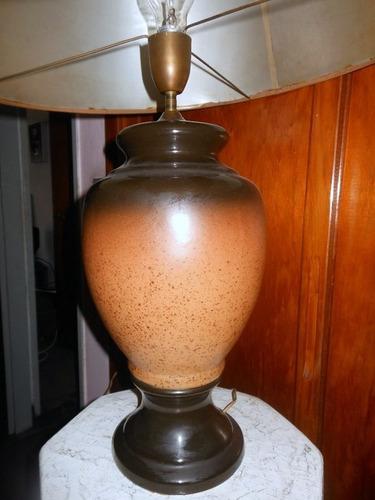 antigua lámpara mesa
