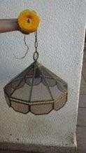 antigua lámpara vintage de vidrio y cobre